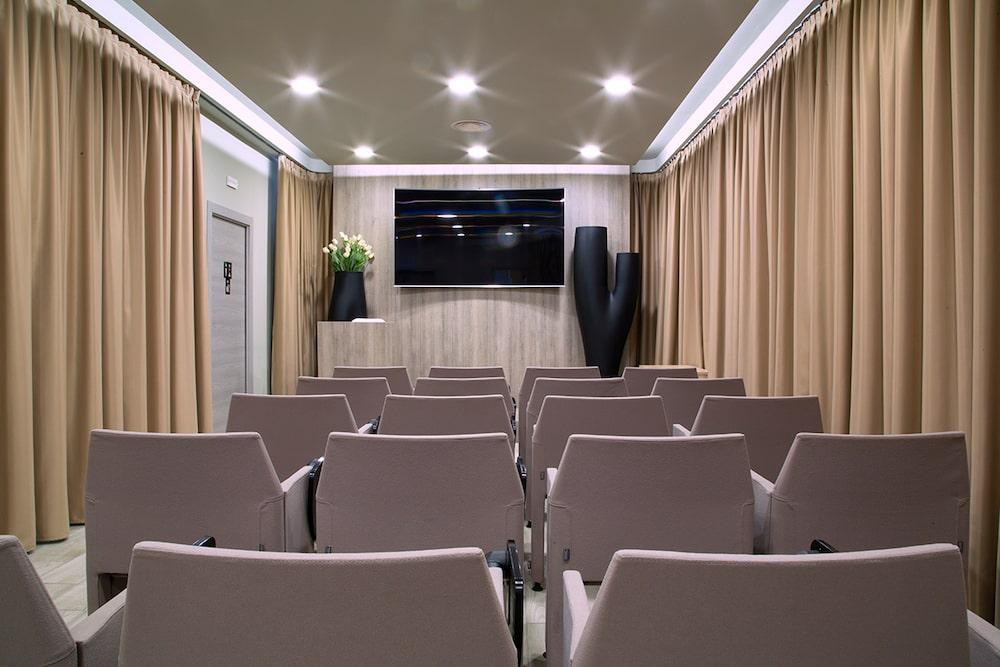 Sala meeting eventi aziendali Cormano